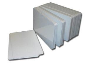 tarjetas plasticas blancas sin banda magnetica 300x215 - Tarjetas sin banda magnética